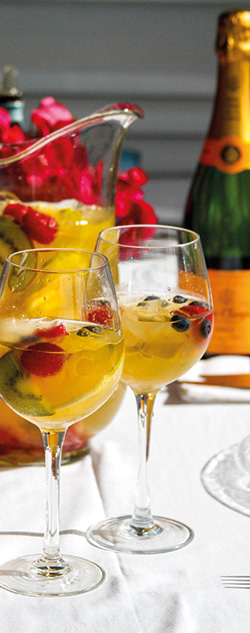 quin-farara-champagne-sangria-cocktail-3