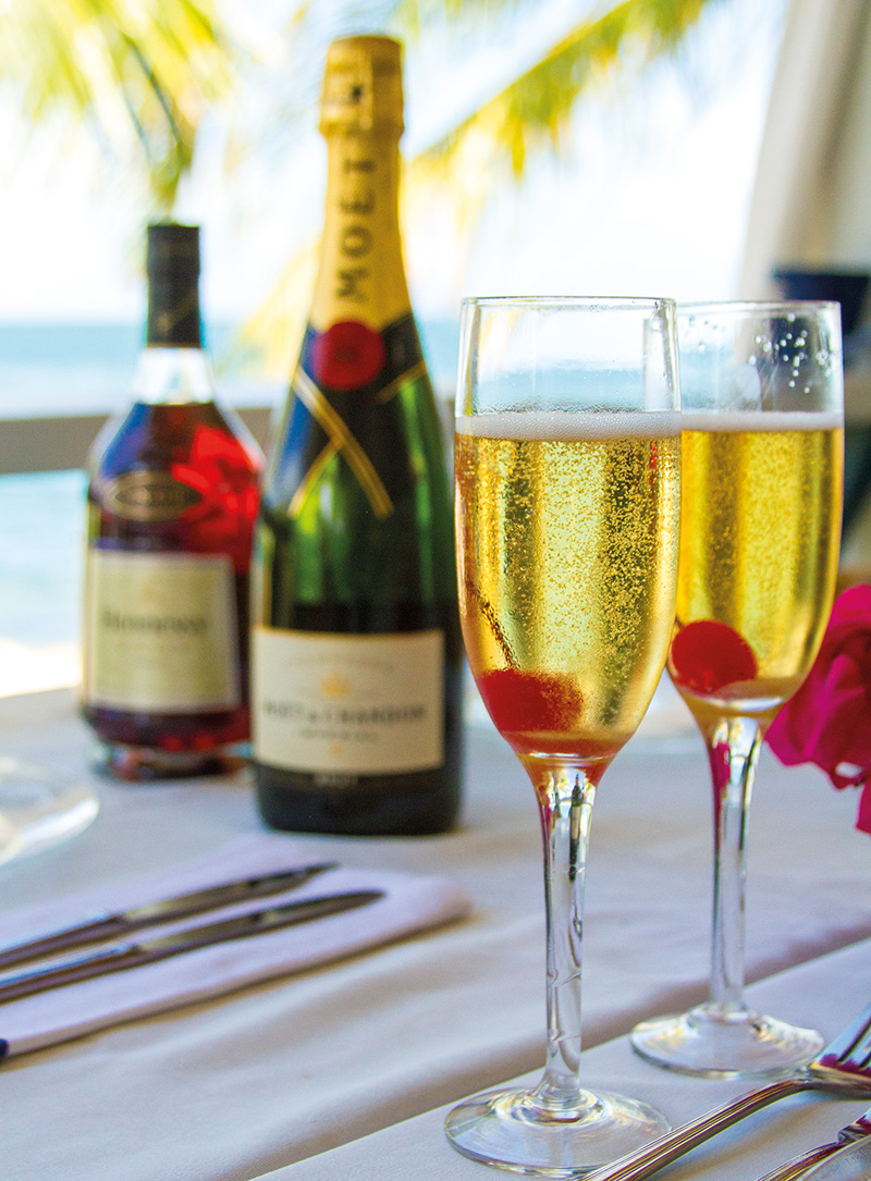 Classic champagne cocktail food and drink guide antigua for Champagne mixed drinks