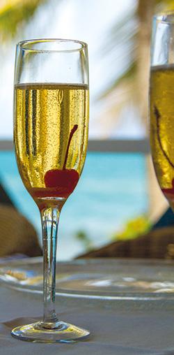 quin-farara-classic-champagne-cocktail