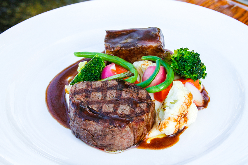 Duo of Beef with Bordelaise Sauce & Seasonal Vegetables